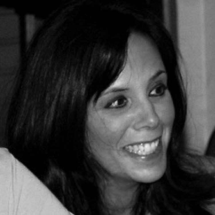 Liz Leahy headshot